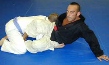 bjj technique counter to guard pass with rear choke finish